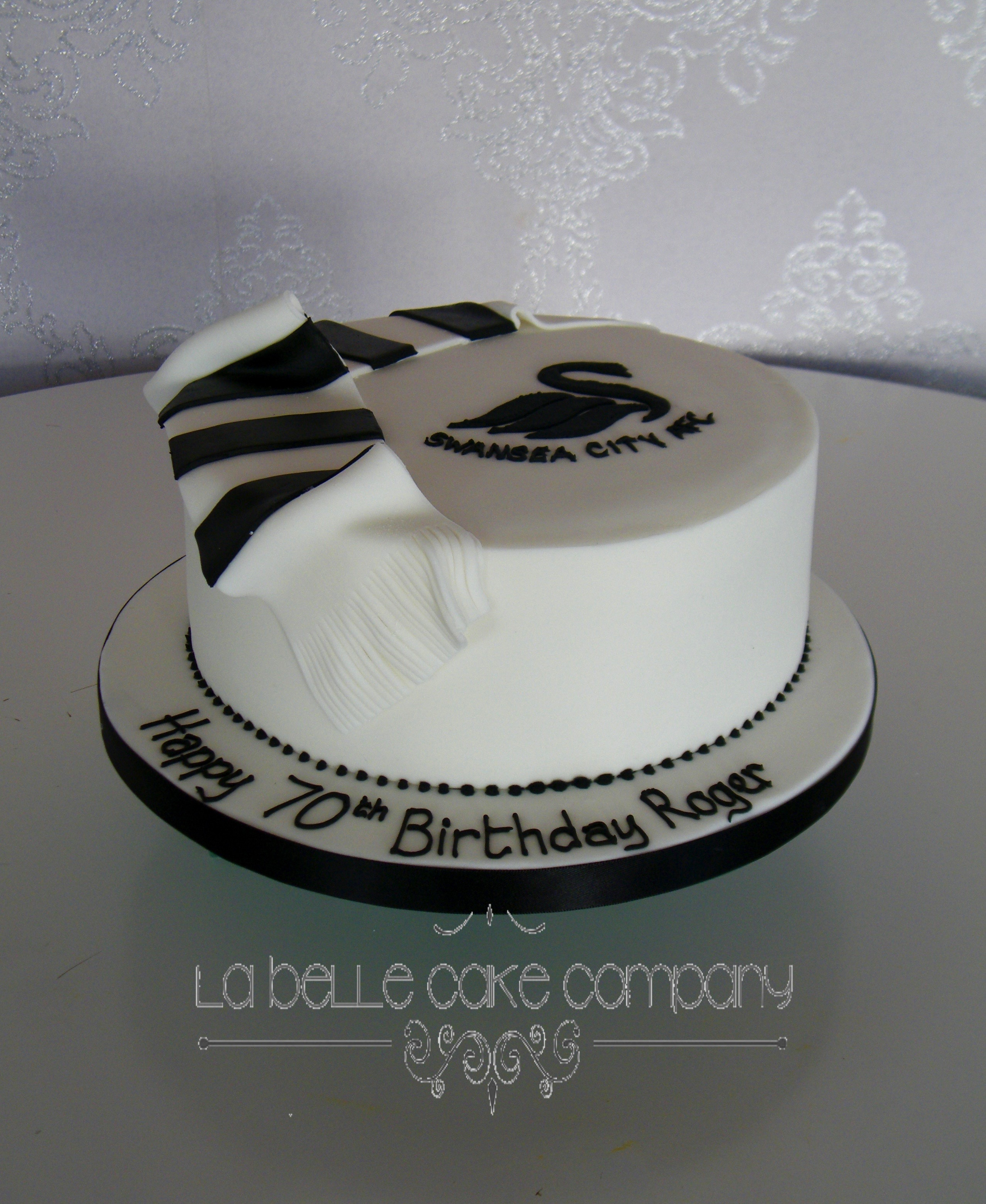 Pleasant Male Birthday Cakes Bedfordshire Hertfordshire Buckinghamshire Personalised Birthday Cards Cominlily Jamesorg